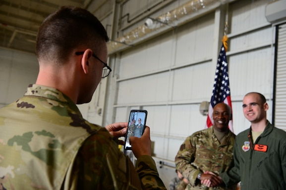 CMSAF Wright visits Recce Town