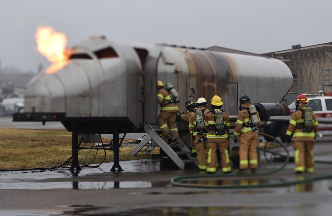 US, ROK Air Force's train with fire