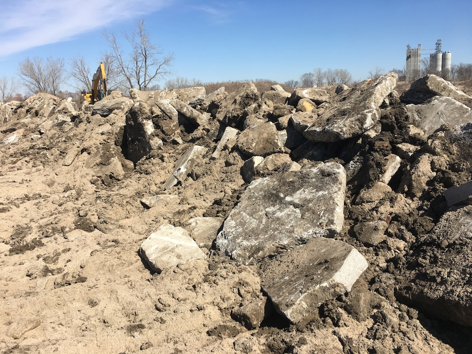 USACE works on Union Dike restoration after March 2019 runoff event Mar. 22, 2019. (Photo by Capt. Ryan Hignight)
