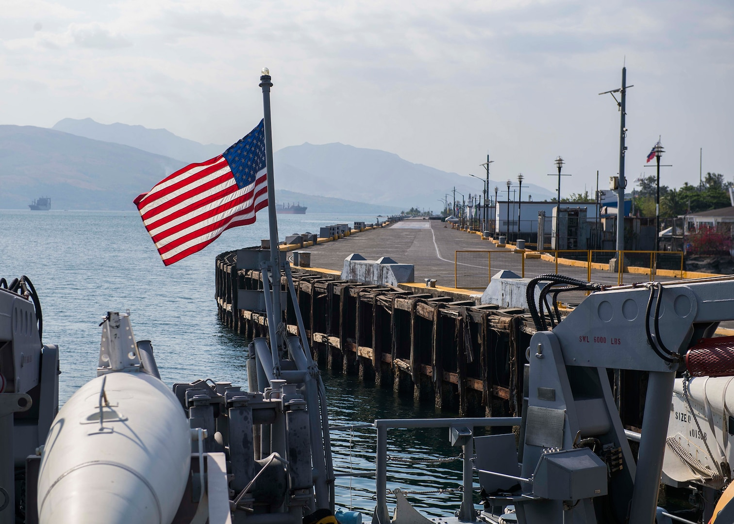 USS Pioneer Arrives in Subic Bay