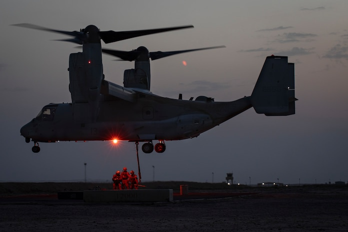 U.S. Marines with Combat Logistics Detachment 34, attached to Special Purpose Marine Air Ground Task Force Crisis Response-Central Command, conduct an external lift during a Helicopter Support Team exercise in support of Marine Medium Tiltrotor Squadron 264, also attached to SPMAGTF-CR-CC, in Southwest Asia, March 20, 2019. The HST exercise provides proficiency training to landing support specialists with CLD 34 and VMM-264 pilots in the insertion and extraction of assets in restrictive terrain.