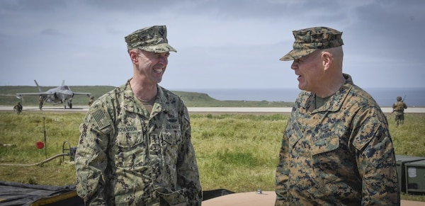 Top Navy and Marine Corps Leadership Visit Exercise Pacific
