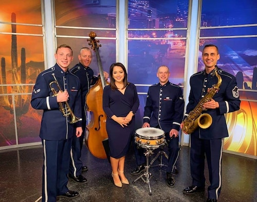 The Commanders live on Tucson News Now