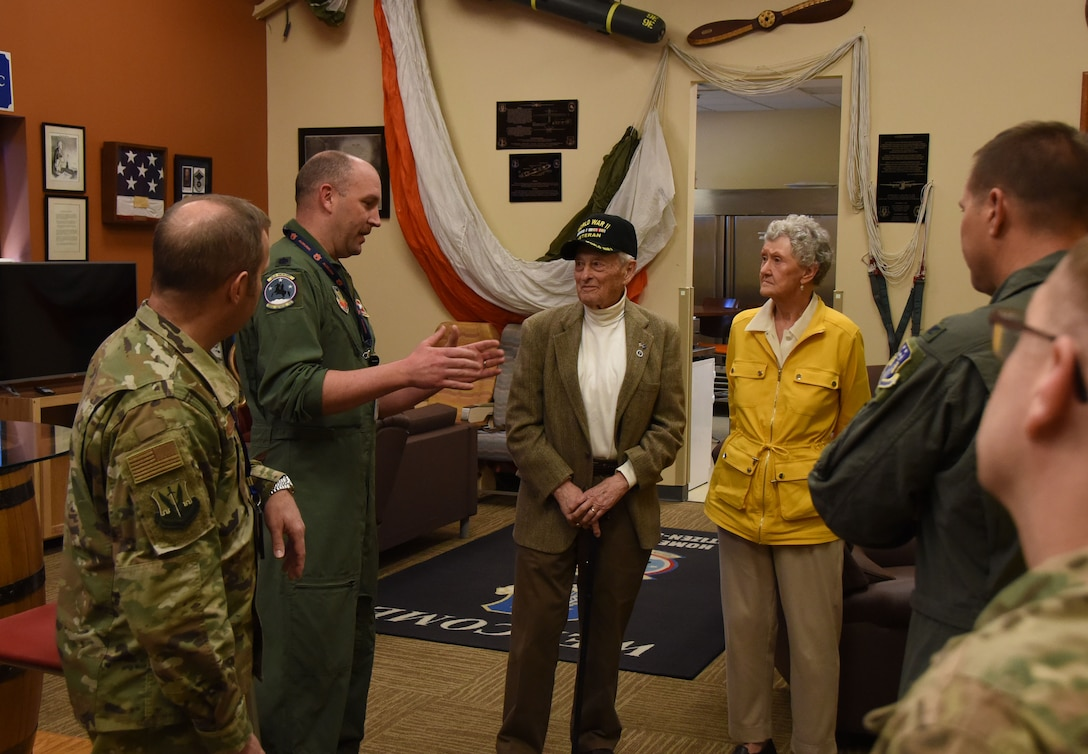 Former U.S. Air Force Capt. Jerry Neal, center left, a bomber pilot in World War II, is briefed by Airmen from the 118th Wing March 27, 2019 at Berry Field Air National Guard Base, Nashville, Tennessee.