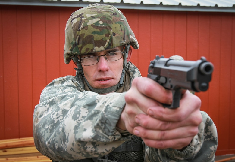 Army Reserve Soldiers put warrior skills to the test in joint command competition