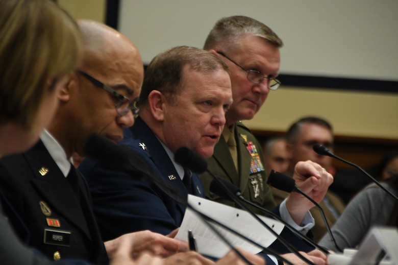 Reserve and defense leaders testify on duty status reform