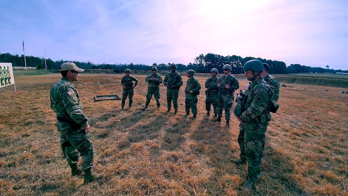 Sgt. 1st Class Horner conducts training