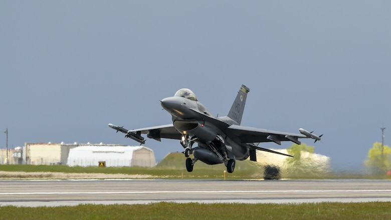 An F-16 lands during a combat exercise at Hill Air Force Base, Utah, May 1, 2019. The active duty 388th Fighter Wing and Reserve 419th Fighter Wing, along with F-16 units from Holloman AFB, New Mexico, and Kunsan Air Base, Korea, conducted an integrated combat exercise where maintainers were tasked to continually provide ready aircraft and pilots took off in waves to simulate a large force engagement with enemy aircraft. (U.S. Air Force photo by R. Nial Bradshaw)