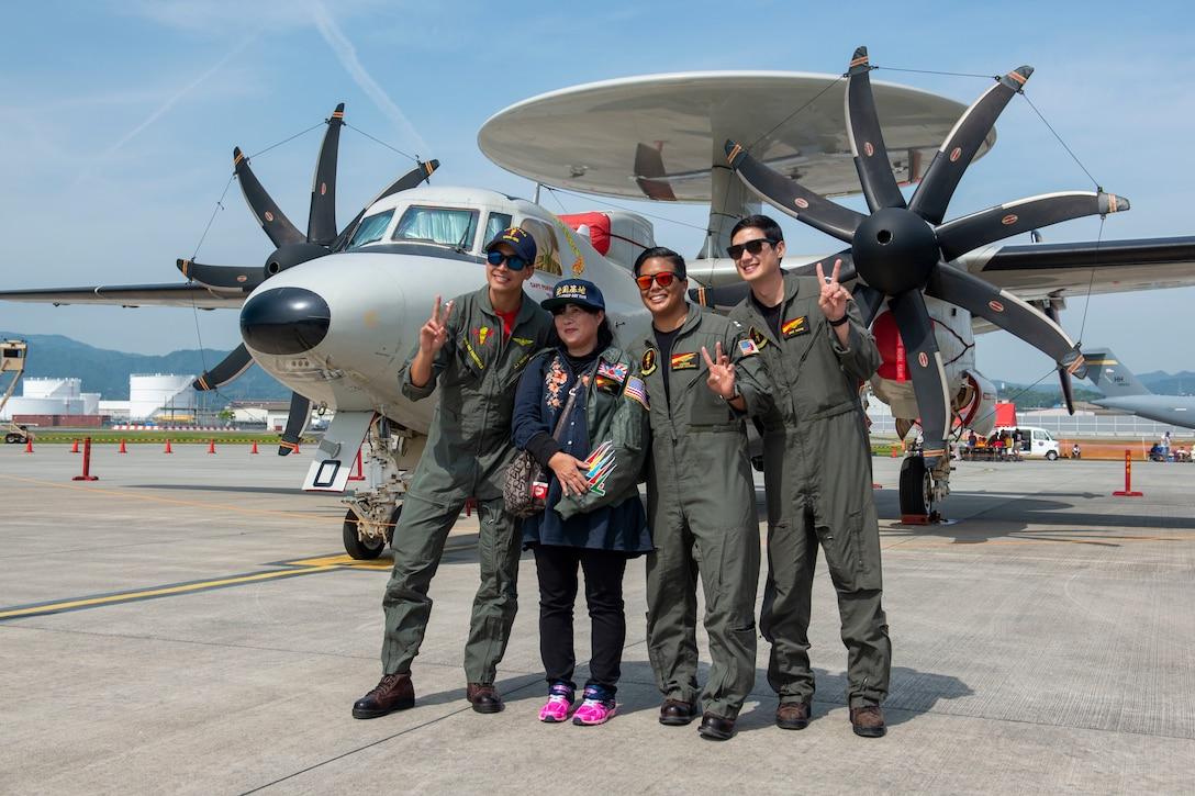 JMSDF, MCAS Iwakuni take Friendship Day 2019 to new altitudes