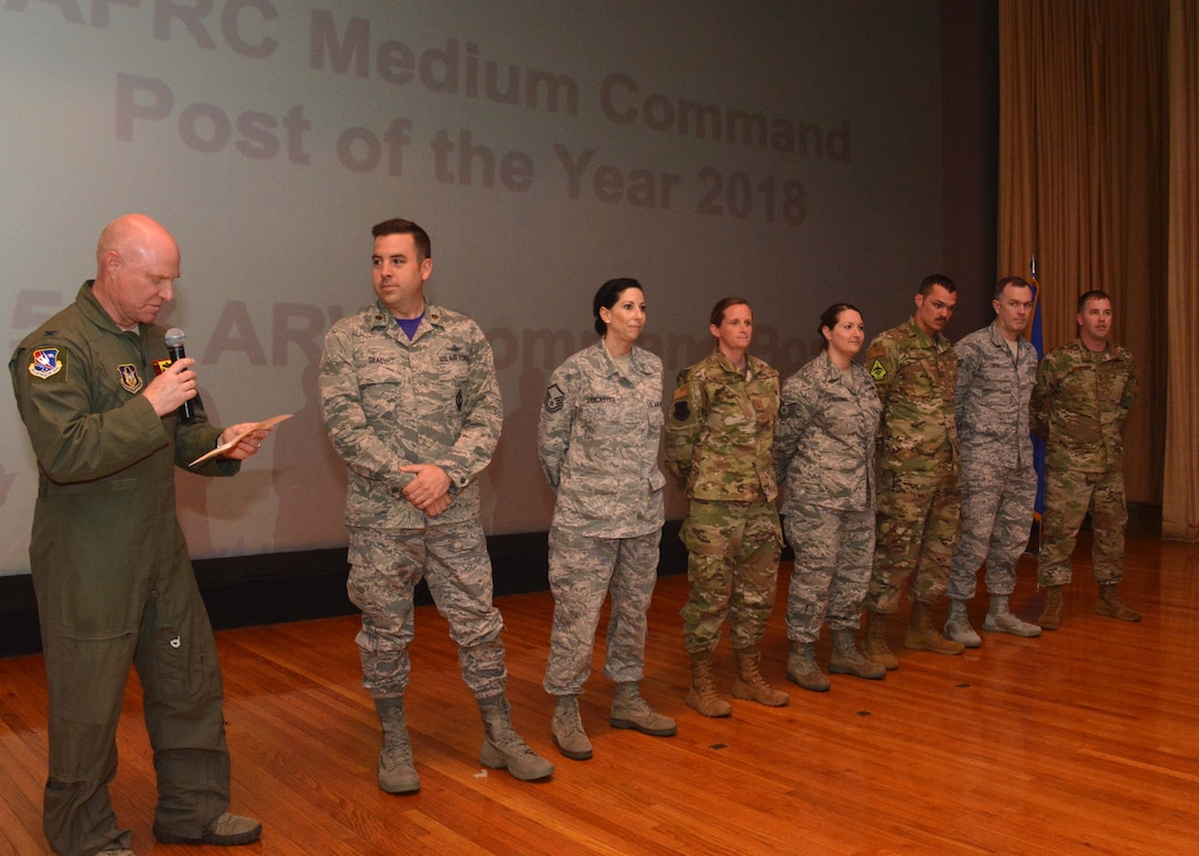 The 507th Air Refueling Wing Commander, Col. Miles Heaslip, recognizes members of the 507th ARW Command Post for receiving the Medium Command Post of the Year award May 5, 2019, Tinker Air Force Base, Oklahoma. (U.S. Air Force photo by Senior Airman Mary Begy)