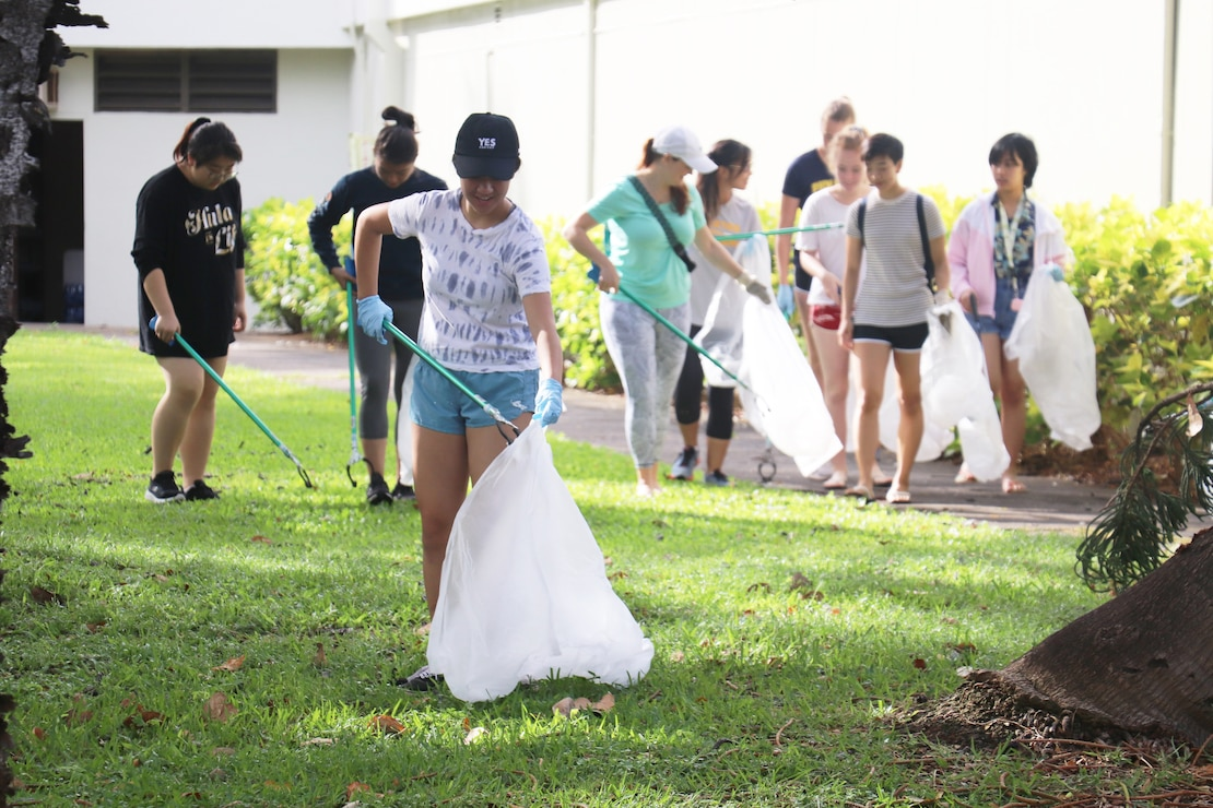 """Honolulu, Hawaii (April 27, 2019) -- The U.S. Army Corps of Engineers - Honolulu District and Pacific Ocean Division leadership and District employees joined forces with local Junior ROTC students and Tripler Army Medical Center volunteers to clean the Fort DeRussy area beach and beach berm April 27 for Earth Day 2019. The 2019 U.S. Army Earth Day theme is """"Sustain the Environment to Secure the Mission."""" This was the 14th consecutive year Honolulu District has held the Earth Day-focused event at the U.S. Army Corps of Engineers Pacific Regional Visitor Center at Battery Randolph on Fort DeRussy."""