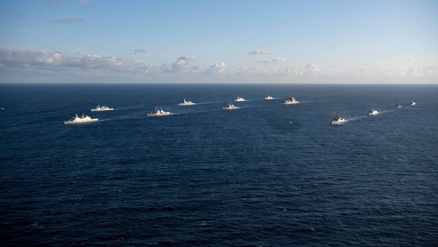 Ships steam in formation during exercise Formidable Shield 2019.