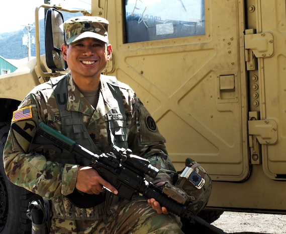 Why I Serve: Army Reserve Soldier Goes the Distance to Serve