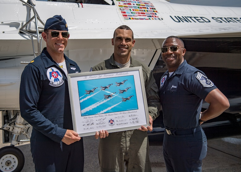 Top recruiter gets Thunderbirds incentive flight