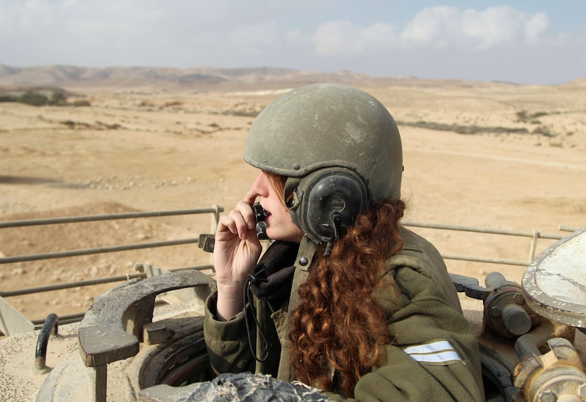 Female tank instructors of School of Infantry Professions conducted drill with Nagmachon tanks and armed hummers, January 1, 2013 (Israel Defense Forces/Zev Marmorstein)