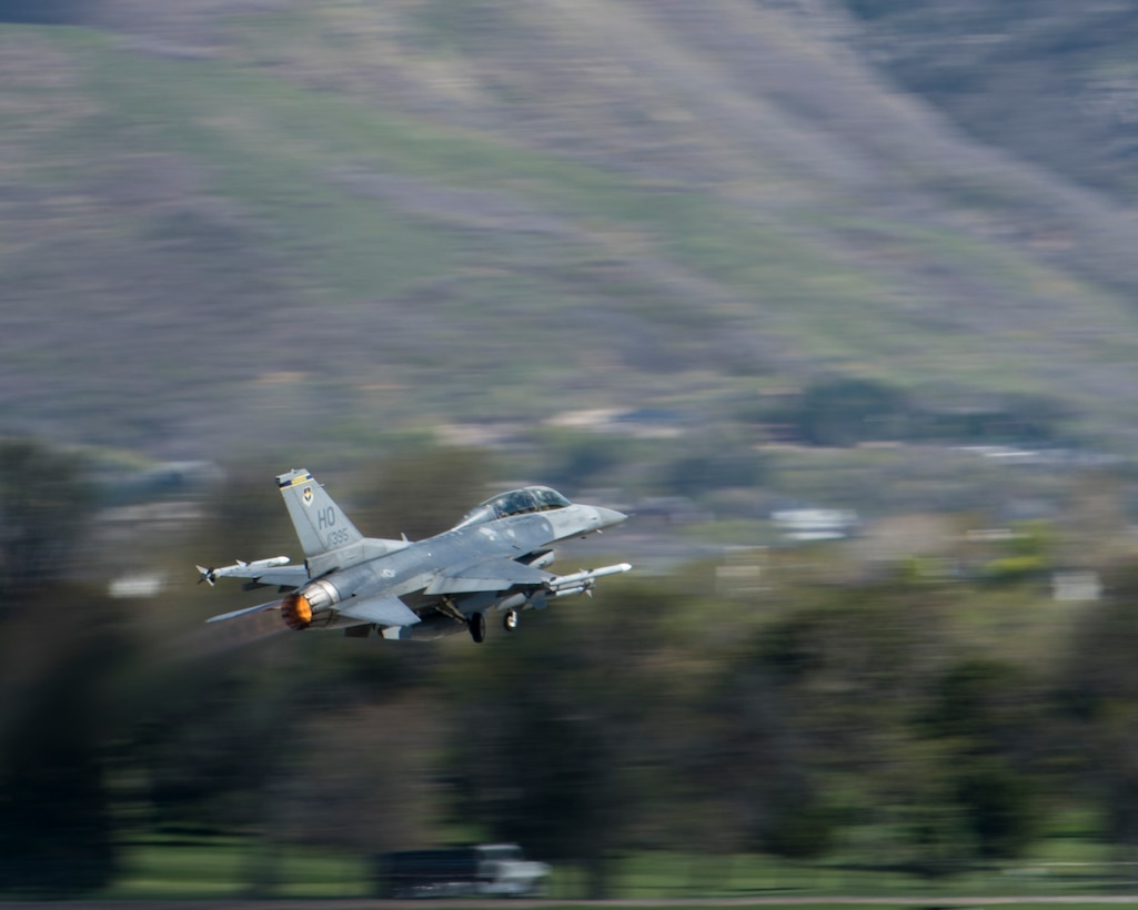 A 311th Fighter Squadron F-16 Viper takes off from Hill Air Force Base, Utah, April 24, 2019. Between April 22 and May 3, the 311th FS conducted 174 sorties in support of student pilot training and dissimilar air combat training with the F-35 Lightning II. (U.S. Air Force photo by Staff Sgt. BreeAnn Sachs)