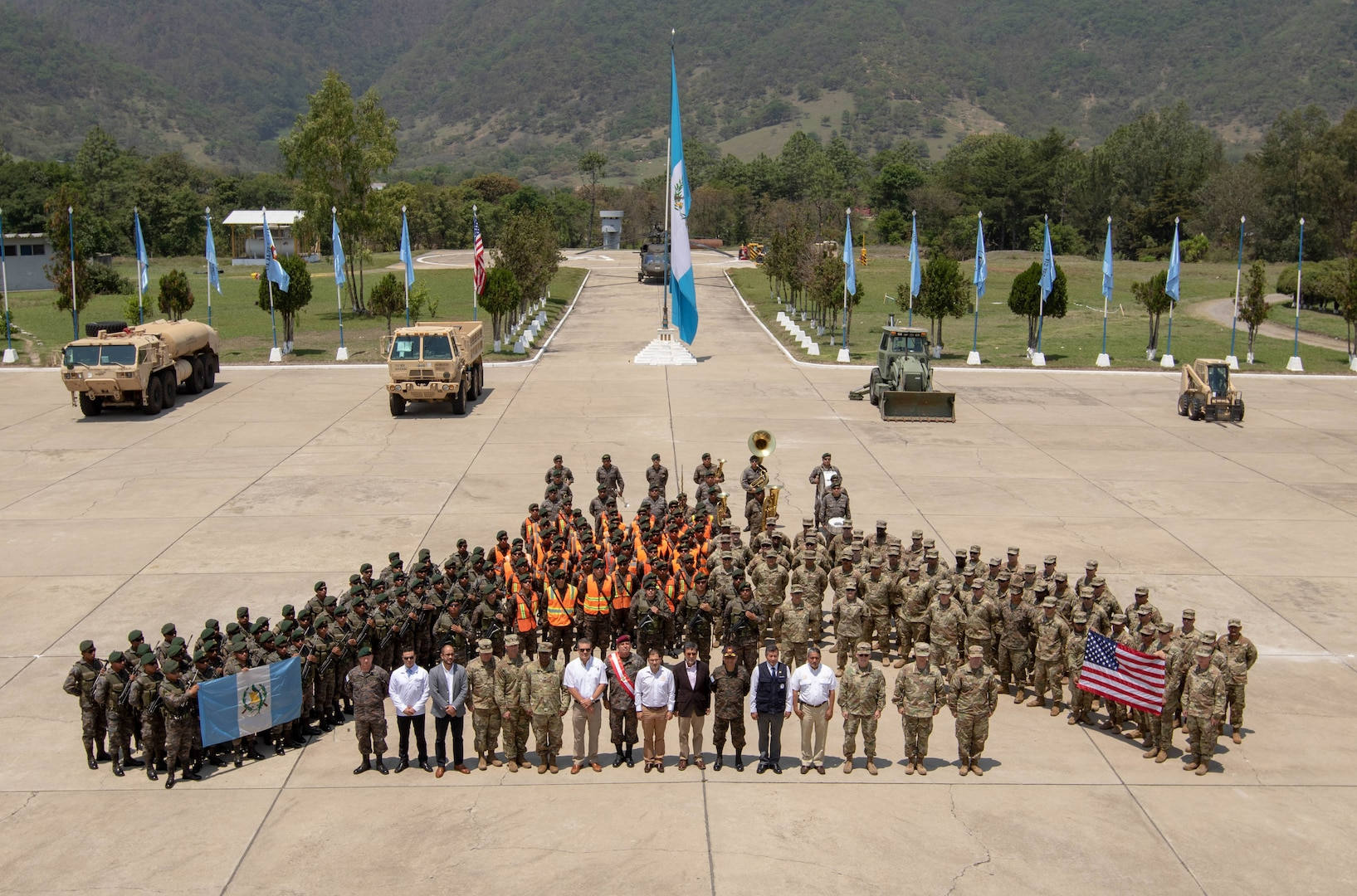 Beyond the Horizon 2019 officially kicked-off in an opening ceremony that included both U.S. Army and Guatemalan 5th Infantry Brigade Soldiers.