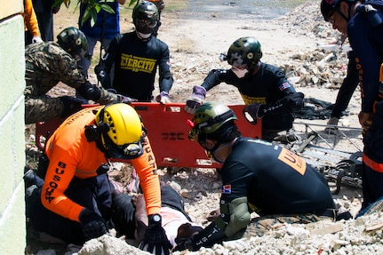 Dominican Republic organizations participate in realistic disaster-relief exercises during media day of Fuerzas Aliadas Humanitarias 2019.