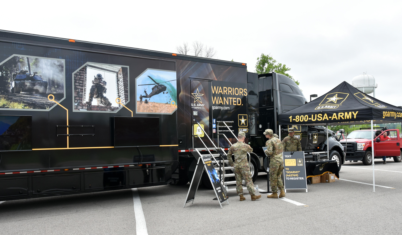 Army Pa Program >> Army Esports Team tests gaming trailer > U.S. ARMY ...