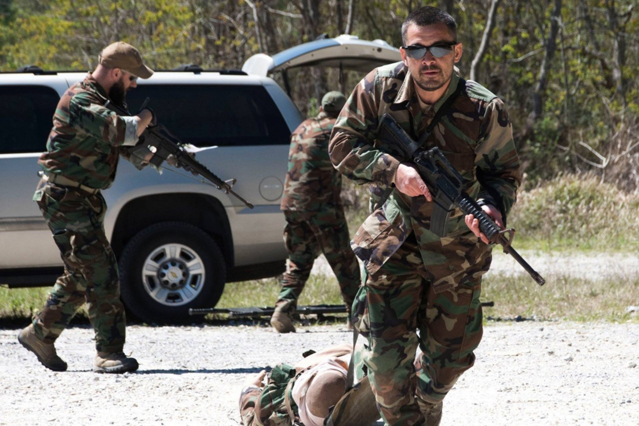 Troops take part in lifesaver training.