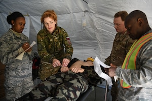 Reservists simulate mass casuality exercise