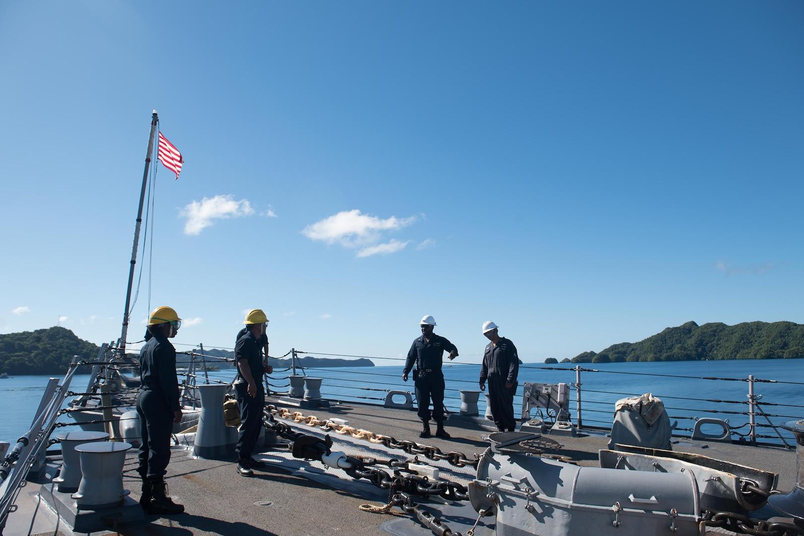 USS Chung-Hoon Visits Palau