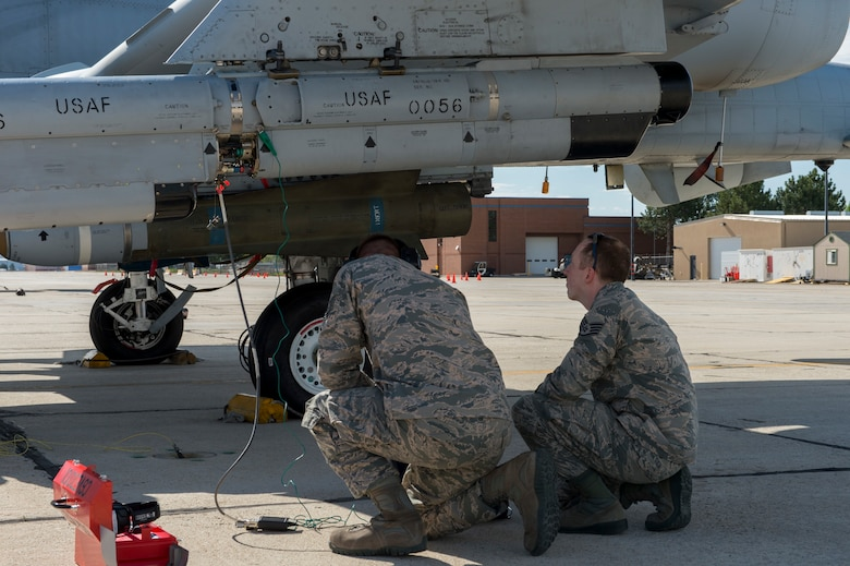 Members of Combat Shield from the 16th Electronic Warfare Squadron conduct an assessment of an A-10 Thunderbolt II with airmen from the 124th Fighter Wing, May 9, 2019, Gowen Field, Boise, Idaho.