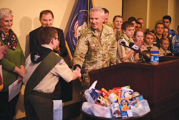 Brig. Gen Atack and Gov. Gary Herbert host Scouting for Food event in Salt Lake City