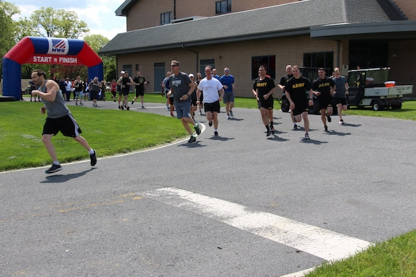 "Susquehanna MWR kicks off Commander's Cup with ""Armed Forces Day"" 5K Run/Walk"