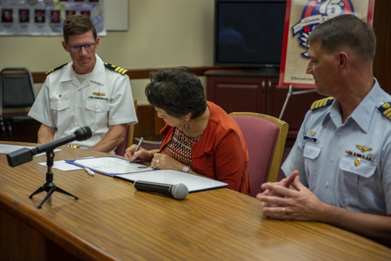 Guam Military, Local Leadership Commemorate National Maritime Day
