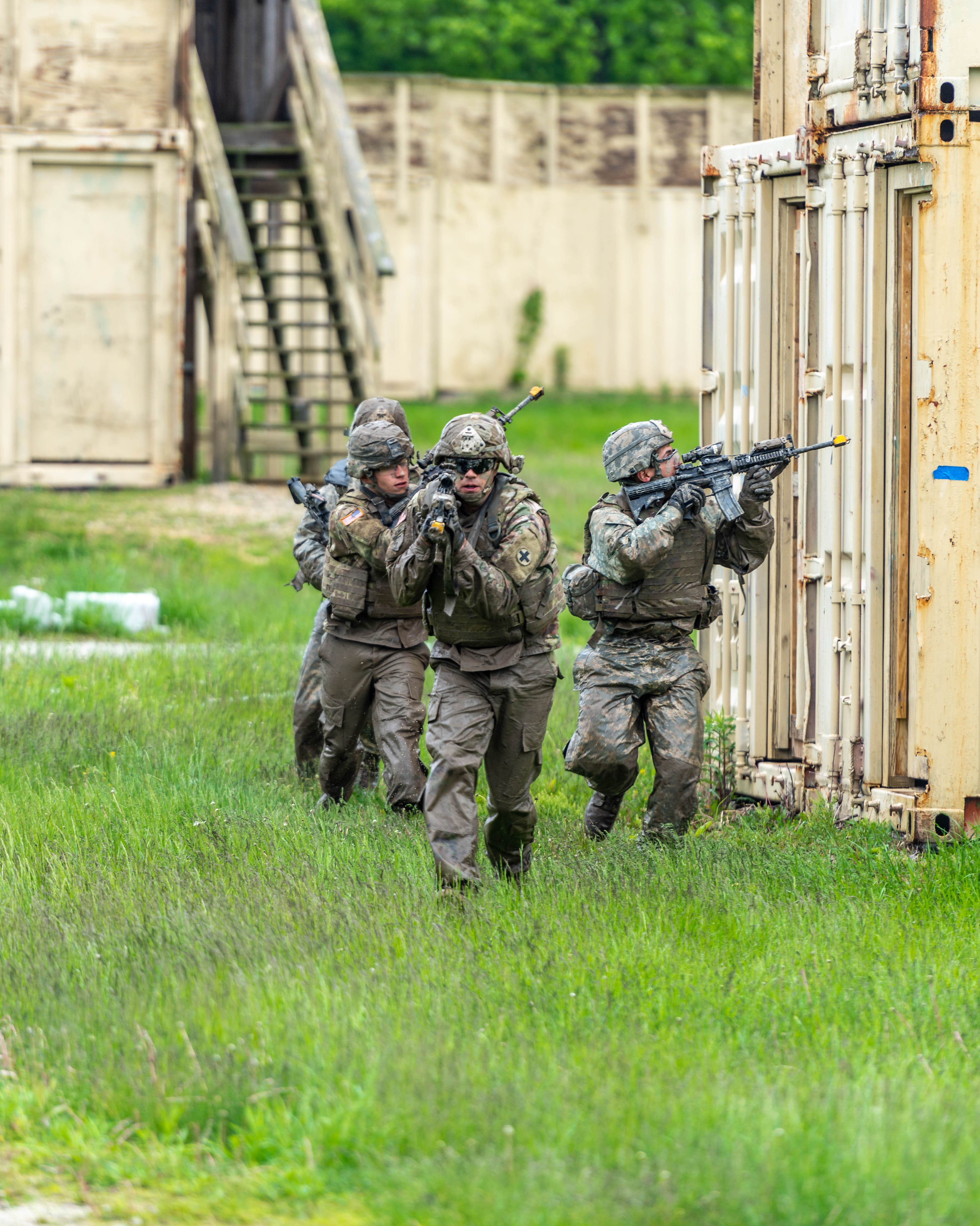 Soldiers practice movement drills ahead of summer deployment