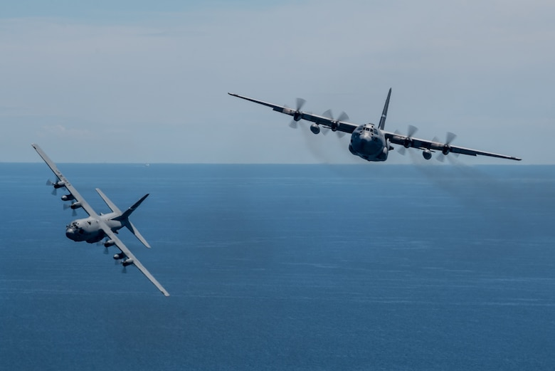Kentucky Air National Guard C-130 Hercules aircraft conduct a nonstandard-load training flight in the airspace above Venice, Italy, May 20, 2019, while carrying equipment from U.S. Army Europe's 173rd Airborne Brigade Combat Team as part of Immediate Response 2019. The exercise is designed to improve readiness and interoperability among participating allied and partner nations integrated into a multinational battalion. Combined training enables allies and partners to readily respond more effectively to regional crises and meet their own national defense goals. (U.S. Air National Guard photo by Staff Sgt. Horton)