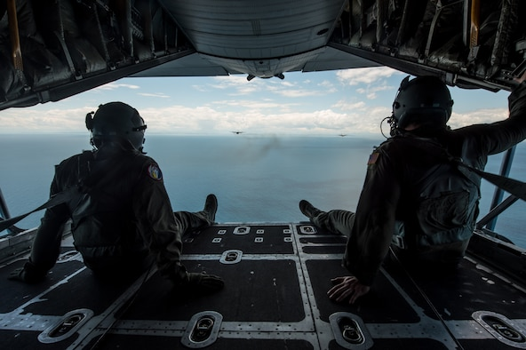 Kentucky Air National Guard C-130 Hercules aircraft conduct a nonstandard-load training flight in the airspace above Venice, Italy, May 20, 2019, while carrying equipment from U.S. Army Europe's 173rd Airborne Brigade Combat Team as part of Immediate Response 2019. The exercise is designed to improve readiness and interoperability among participating allied and partner nations integrated into a multinational battalion. Combined training enables partners to readily respond more effectively to regional crises and meet their own national defense goals. (U.S. Air National Guard photo by Staff Sgt. Horton)
