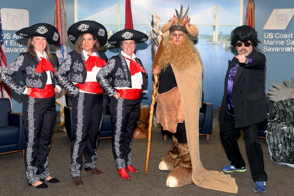2019 costume contest