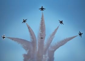 "USAF ""Thunderbirds"" perform"
