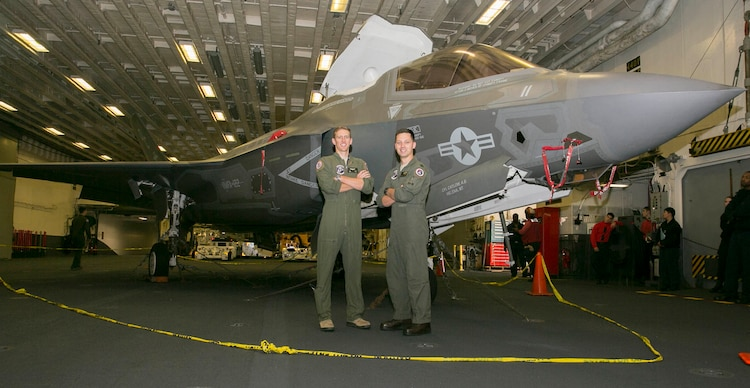 Making History: USAF Pilots Fly F-35Bs aboard LHA 6