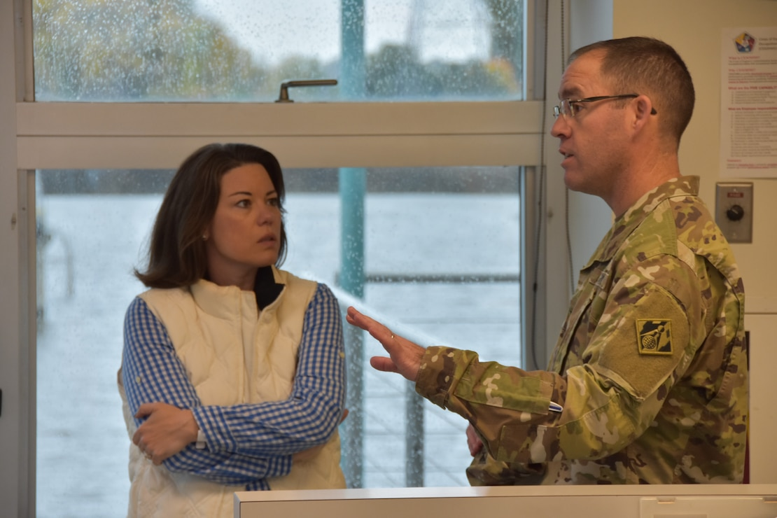 Rep. Angie Craig and Col. Jansen at Lock and Dam 2