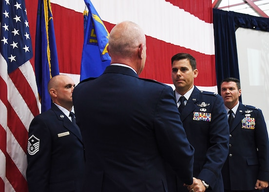 152nd Airlift Wing Welcomes New Commander