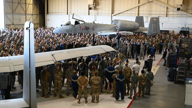 U.S. Air Force Brig. Gen. Paul Johnson, 175th Wing commander, holds a wing-level all call to kick of the Resilience Tactical Pause, Nov. 3 at Warfield Air National Guard Base, Middle River, Md. The Resilence Tactical Pause was mandated by Air Force Chief of Staff General David L. Goldfein to provide an opportunity for leaders to engage their Airmen in a manner that fosters interpersonal connection. (Air National Guard photo by Master Sgt. Chris Schepers)