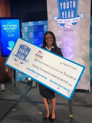 Dasia Bandy received a $20,000 check for becoming the next National Military Youth of the Year.