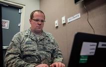 airman uses computer
