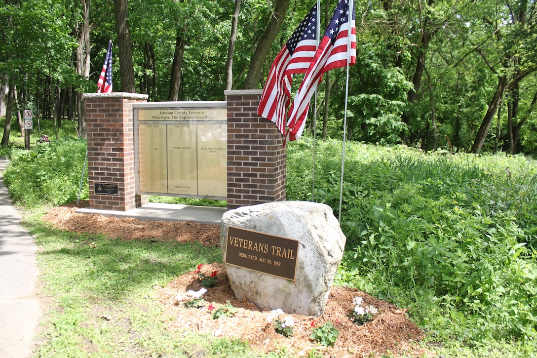 Trailhead of the Veterans Trail at Coralville Lake