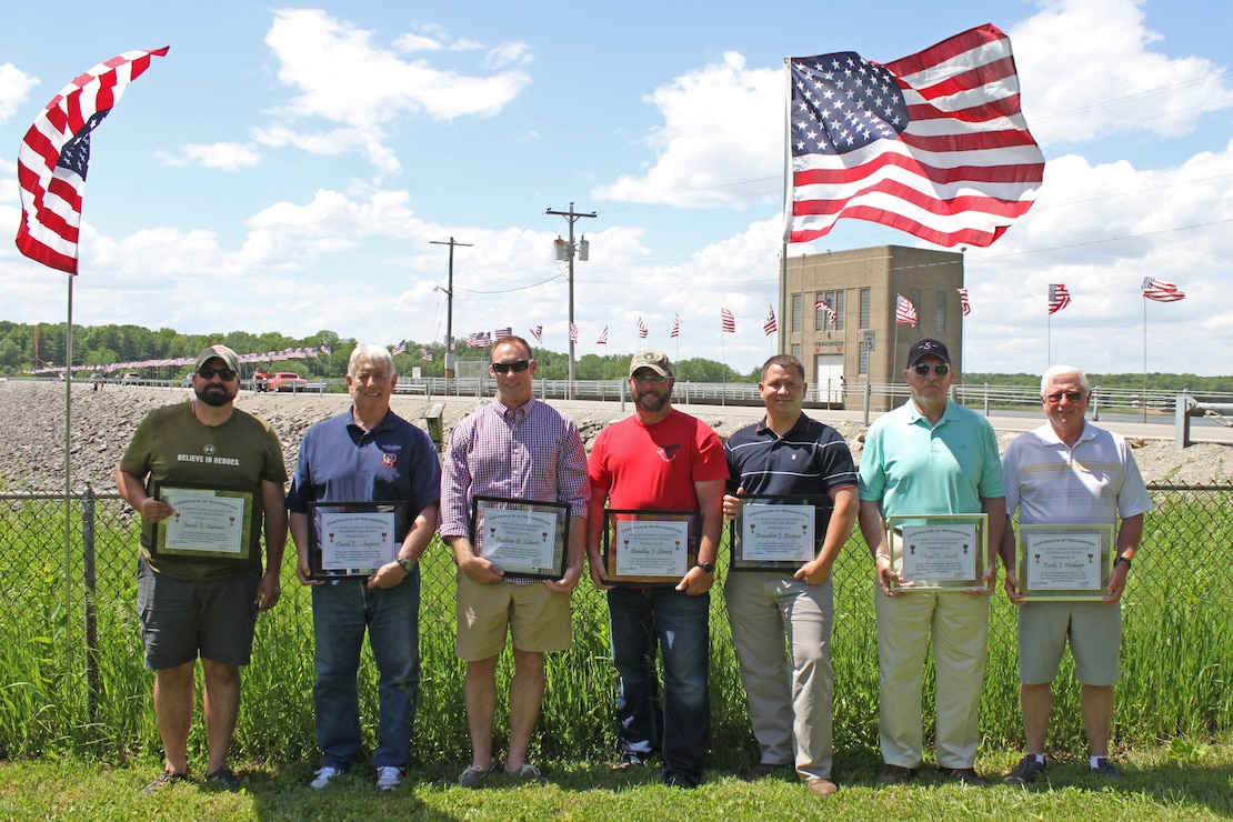 2017 Veterans Trail honorees at Coralville Lake