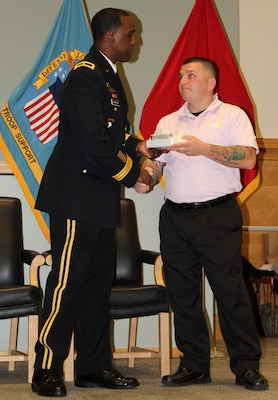 Veterans Day speaker talks resiliency DLA Troop Support