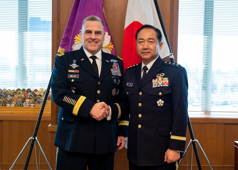 Army Gen. Mark A. Milley, chairman of the Joint Chiefs of Staff, poses for a photo with Japan Ground Self-Defense Force Gen. Kōji Yamazaki, Chief of Staff, Joint Staff, at the Japanese Ministry of Defense in Tokyo, Nov. 12, 2019.