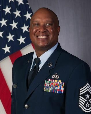 Chief Master Sergeant Daryl J. Hogan, Jr. Official Photo