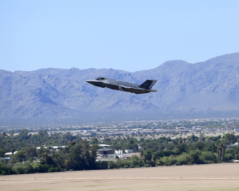 Student pilots' first time soaring in F-35 through allied F-35 B-course