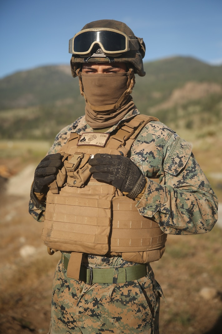 Marine with 1st Supply Battalion completes an external lift during Mountain Exercise.