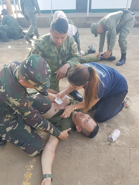 U.S. and Philippine Security Forces Conduct Lifesaving First Aid Training