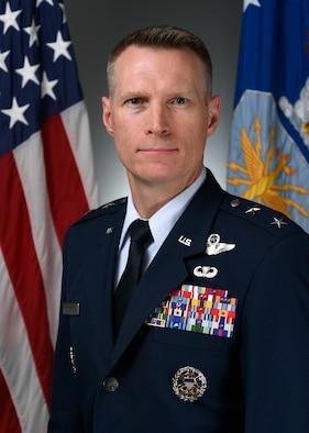 Maj Gen Lance Landrum BIO photo